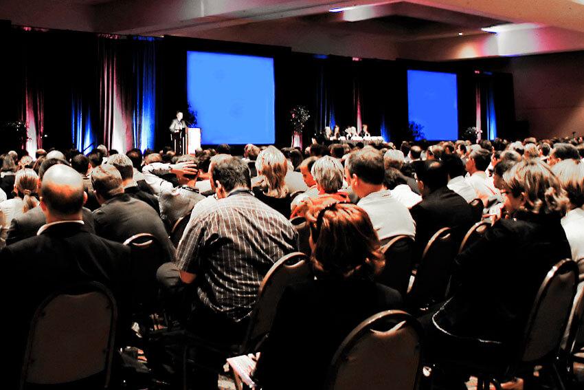 Teilnehmerzahl Konferenzen erhöhen